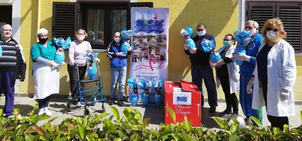 Donate uova di Pasqua a anziani e disabili in due strutture sociali